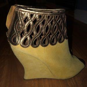 Elie Tahari Yellow Giada Suede & Metallic Leather
